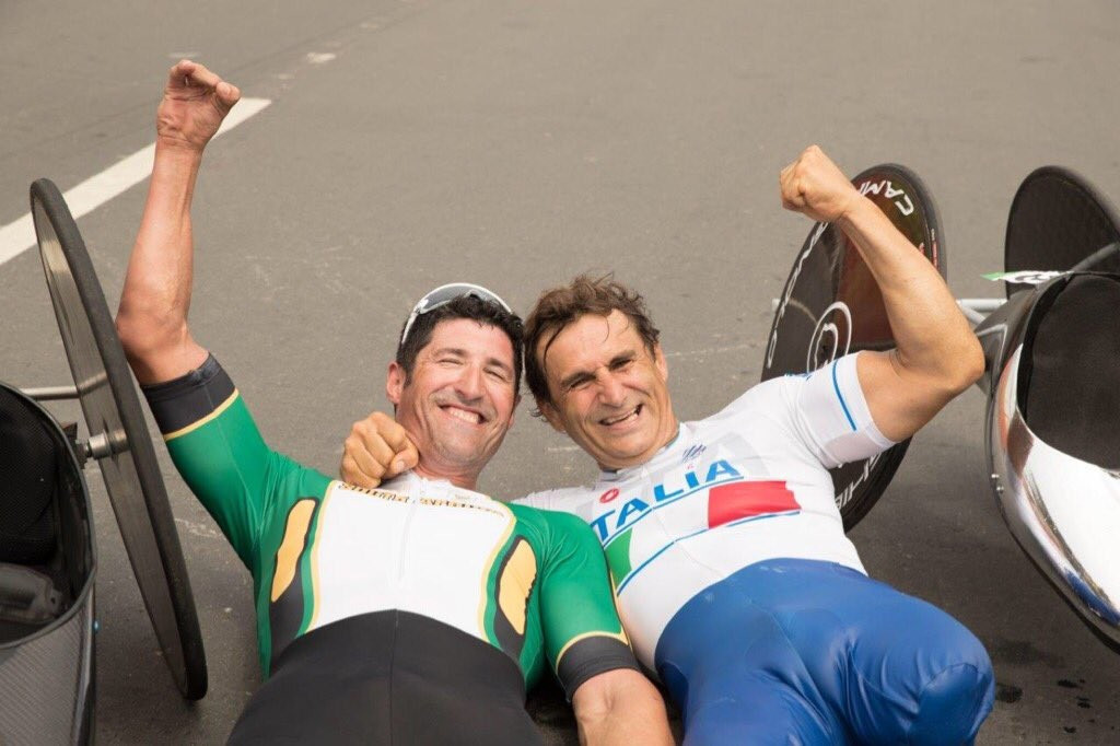 Van Dyk denies Zanardi fourth Paralympic gold medal on emotional day for Italian at Rio 2016