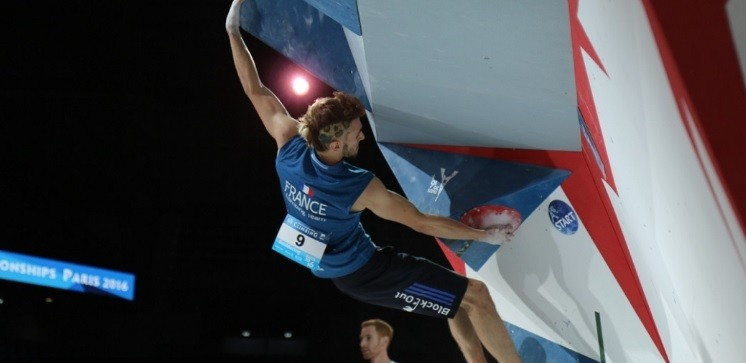 Semi-finals in the men's bouldering and women's lead disciplines took centre stage in the IFSC World Championships at the AccorHotels Arena in Paris today ©IFSC