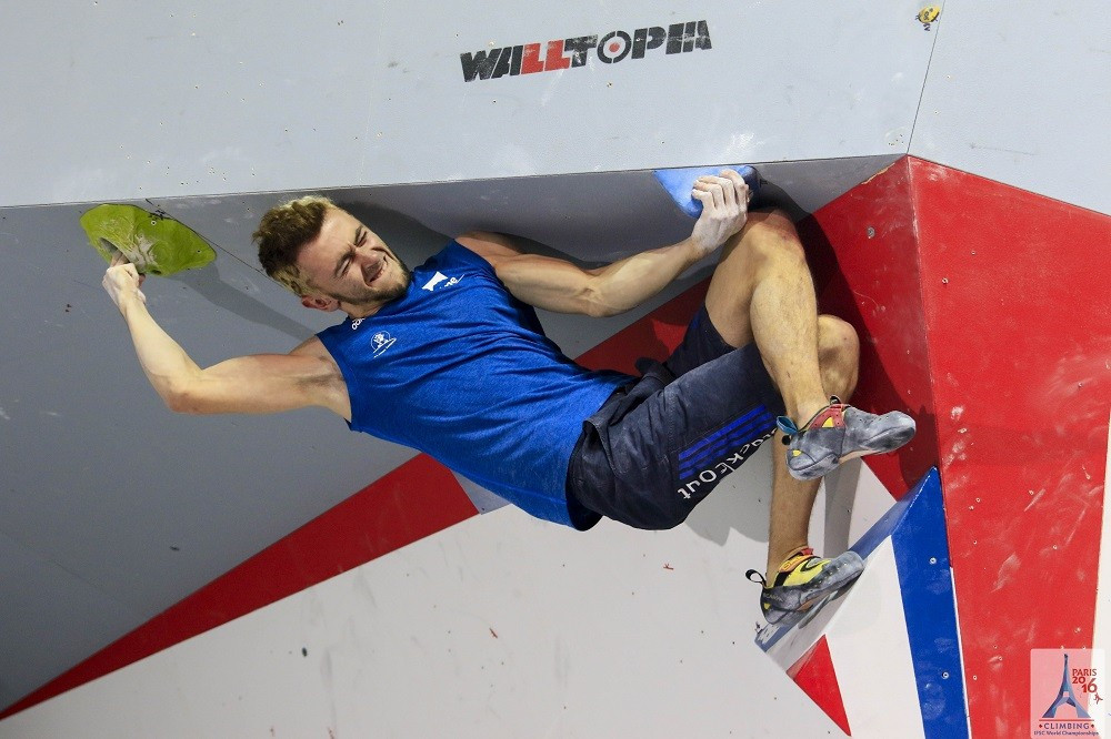 The difficulty level of the final at the IFSC World Championships in Paris was obvious from the start as problem one, a two-step dyno, required immense coordination ability ©IFSC