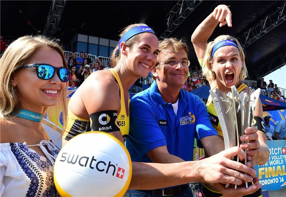 Germany's Laura Ludwig and Kira Walkenhorst won the women's title in Toronto ©FIVB