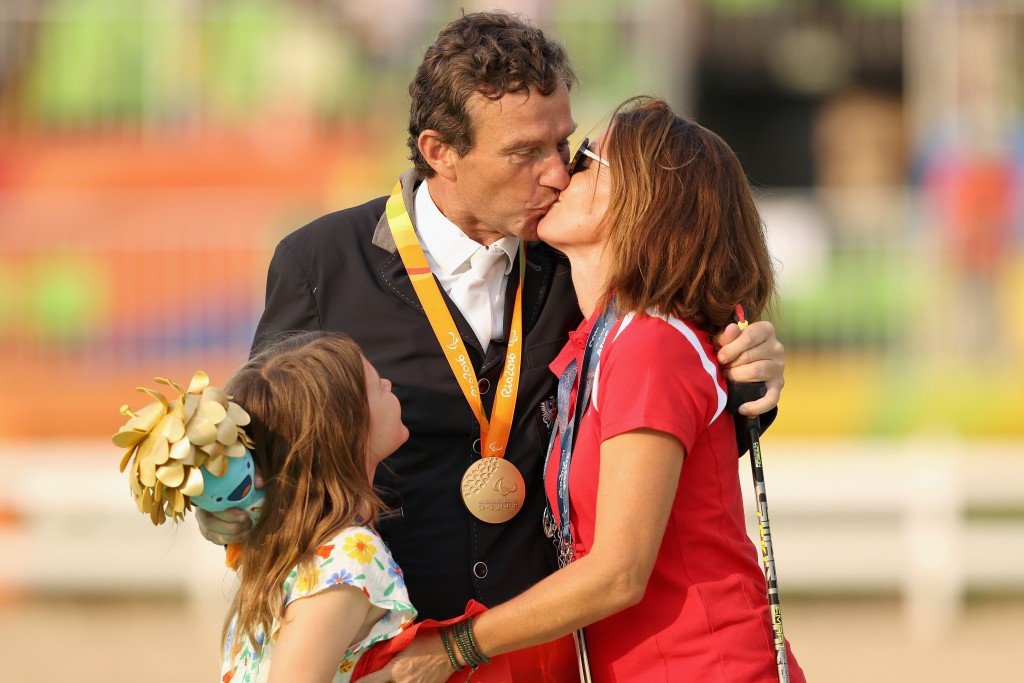 Paralympic champion Puch among Austrians welcomed home from Rio 2016