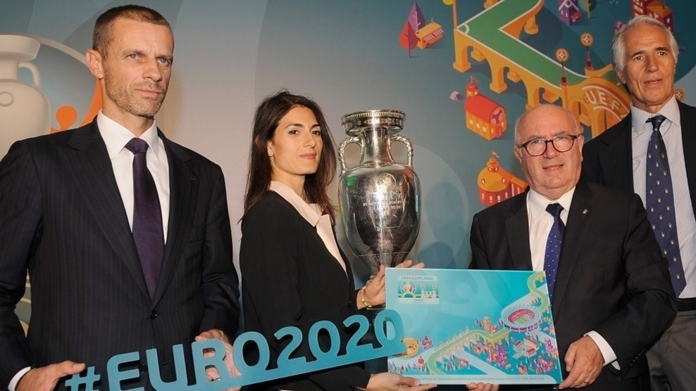 Rome revealed their branding in a ceremony attended by both the Mayor of Rome, Virginia Raggi, left centre, and newly elected UEFA President Aleksander Čeferin of Slovenia, left ©UEFA