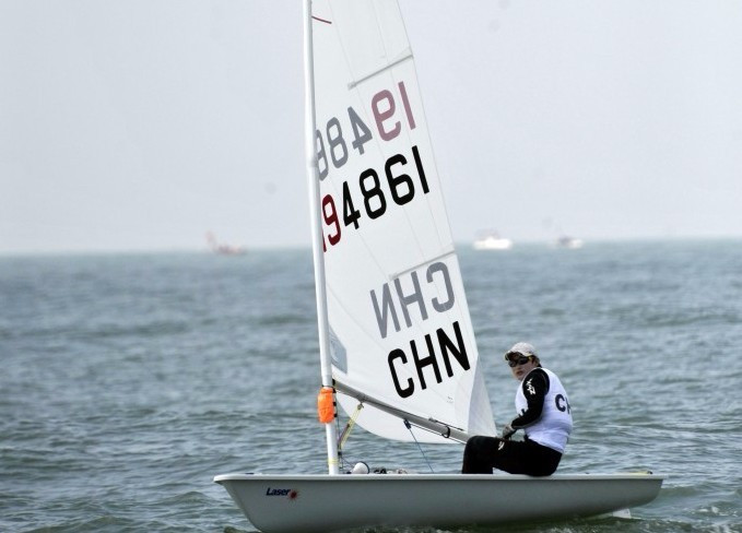 Zhang cements laser radial lead at Qingdao Sailing World Cup