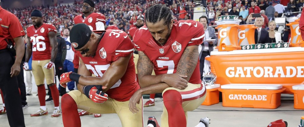 All kneel down for Colin Kaepernick... it says a lot about the state of America that a footballer can't get a job for expressing an opinion ©Getty Images