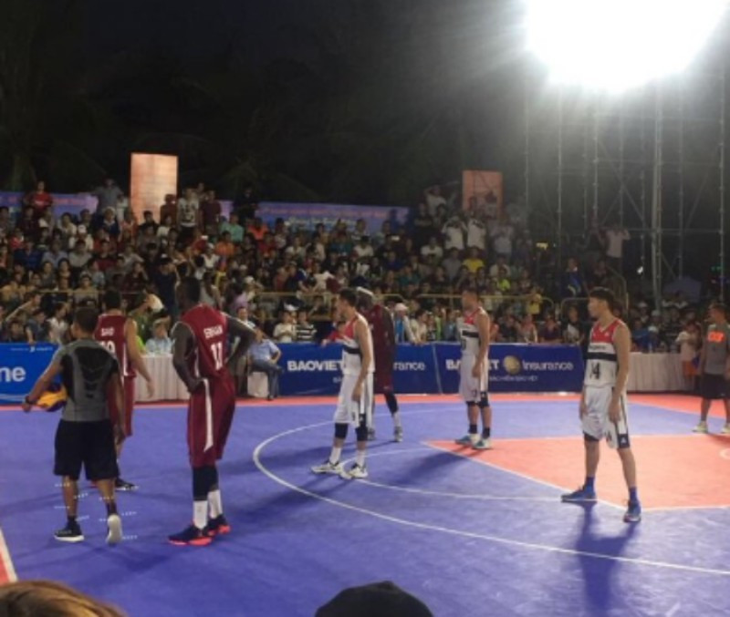 Qatar face Mongolia in front of a good crowd in a makeshift arena at the Asian Beach Games ©Twitter/QOC