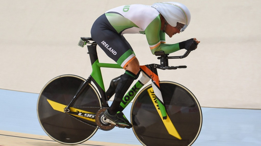 Colin Lynch will attempt the hour record tomorrow ©UCI