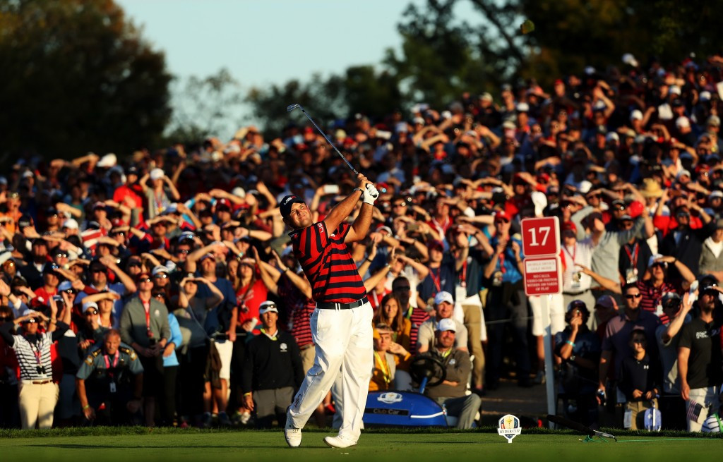 US withstand European charge to move three points clear at Ryder Cup