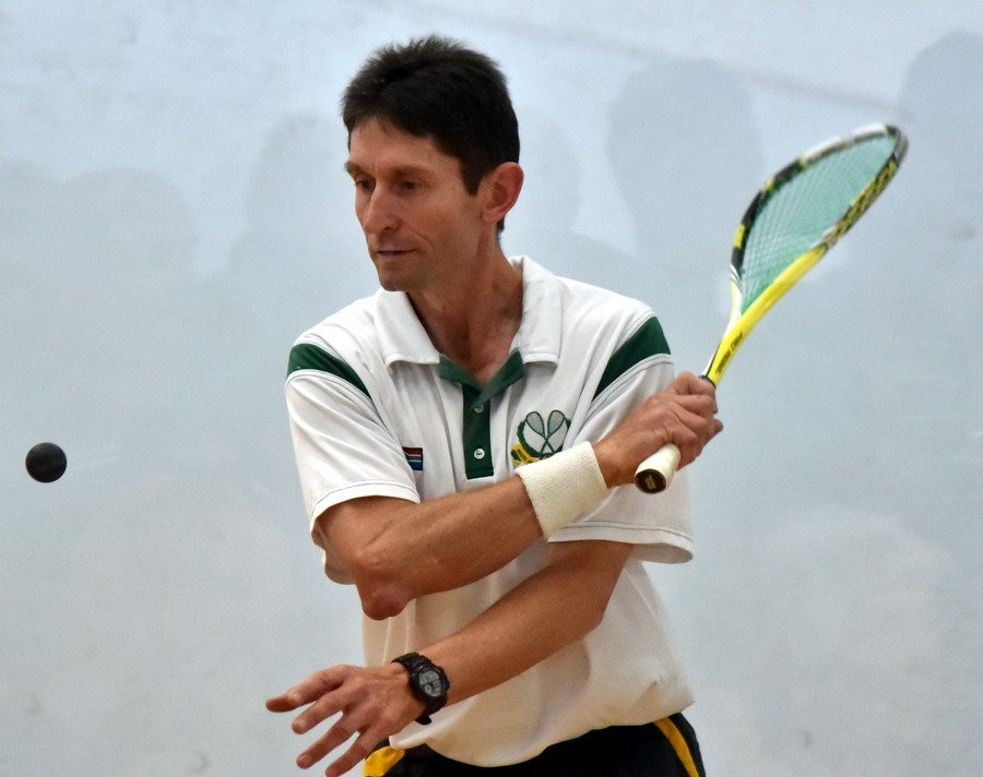 South African Craig van der Wath claimed the men's over-50 gold to become the first player in Masters Squash history to win six career titles ©Masters Squash