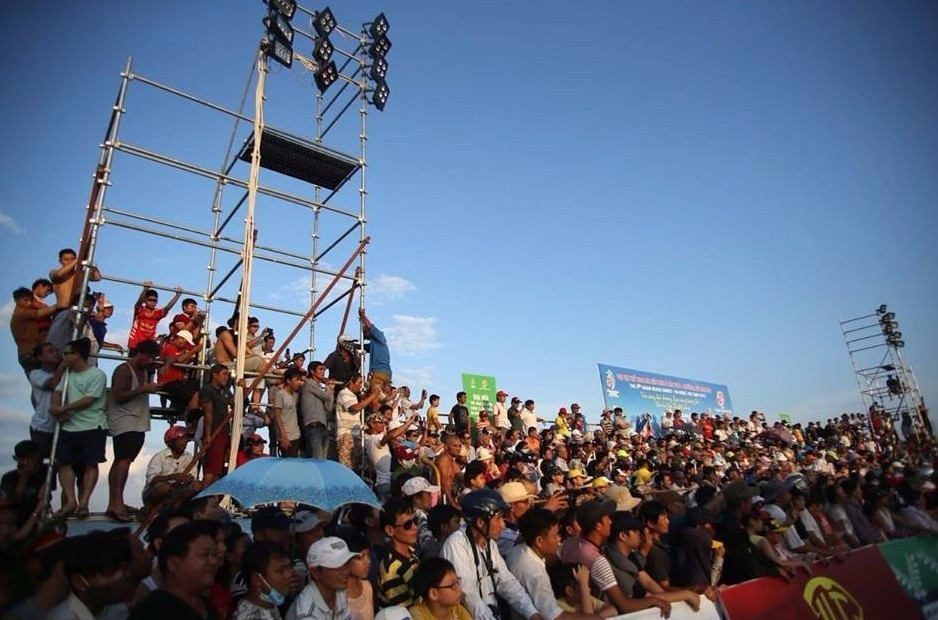 Crowds flock to watch the sport at the fifth edition of the Asian Beach Games in Danang ©OCA