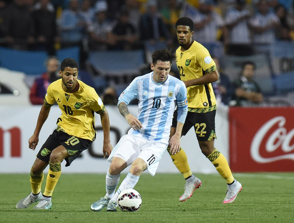 Messi earns 100th cap as Argentina seal first place in Copa América group