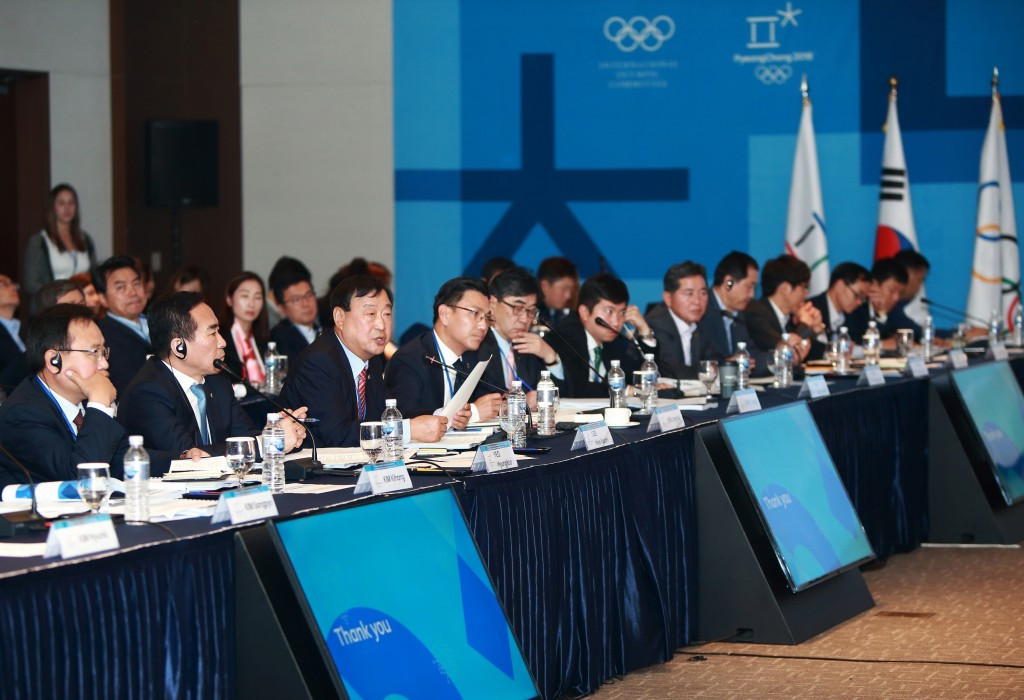 Pyeongchang 2018 President Lee Hee-beom (centre) has also targeted a greater promotional drive ©Pyeongchang 2018