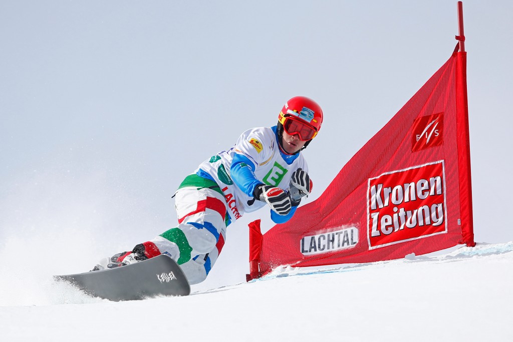 Italy's Coratti hoping to compete at 2017 FIS Snowboard World Championships despite suffering injury