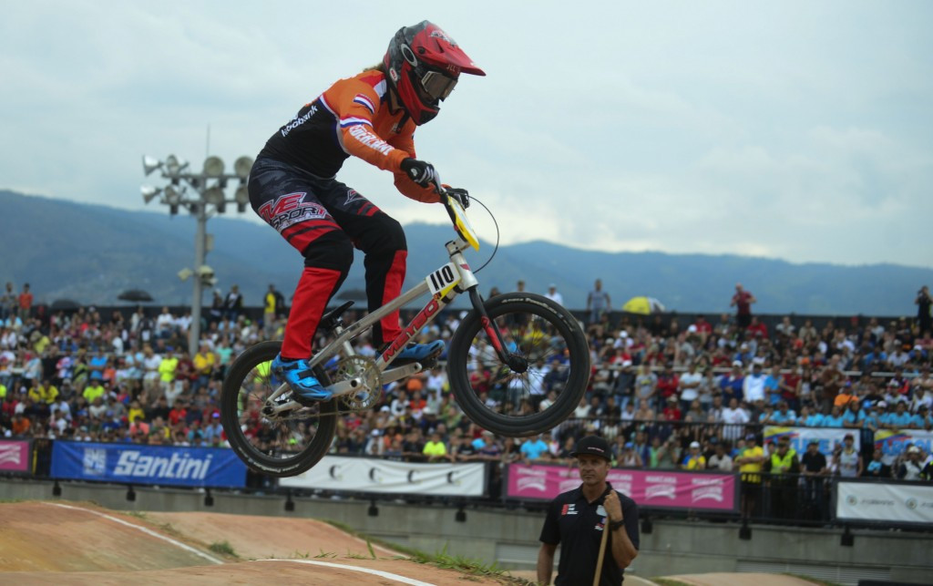 Smulders earns time trial victory as concluding BMX Supercross World Cup event begins