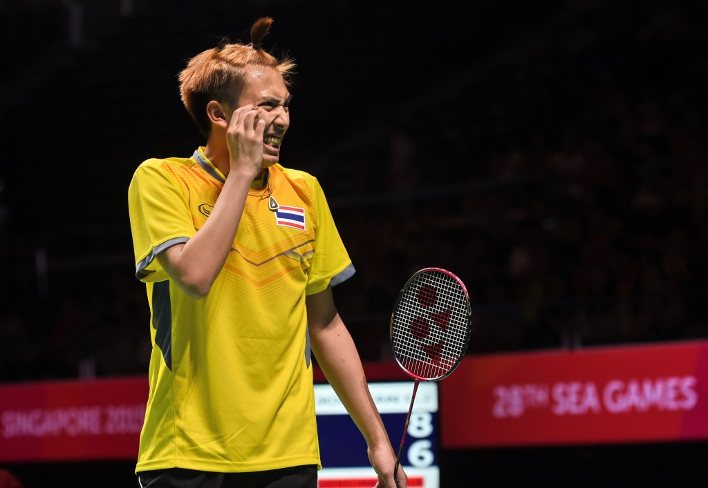 Saensomboonsuk secures home glory at BWF Thailand Open