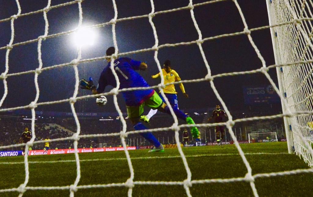 Brazil advance to Copa América quarter-finals with victory against Venezuela