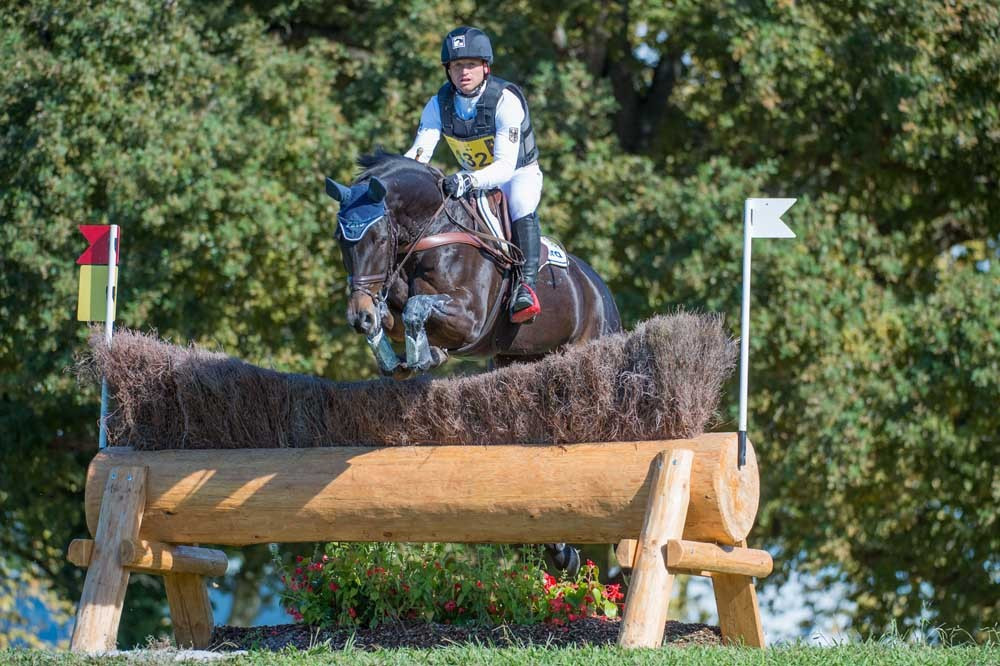 Jung reinforces lead ahead of final day of opening FEI Classics event