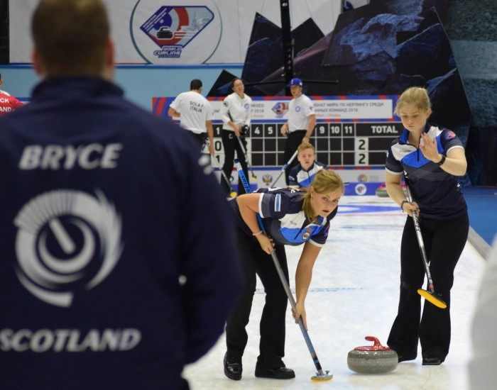 Norway earn narrow win to begin title defence on high at World Mixed Curling Championships