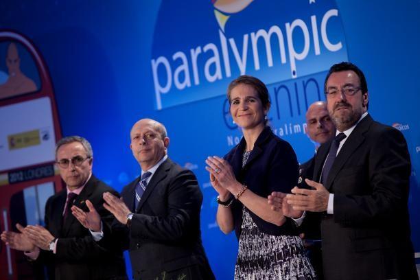 """SPC President Carballeda handed """"Infanta Sofia"""" award"""