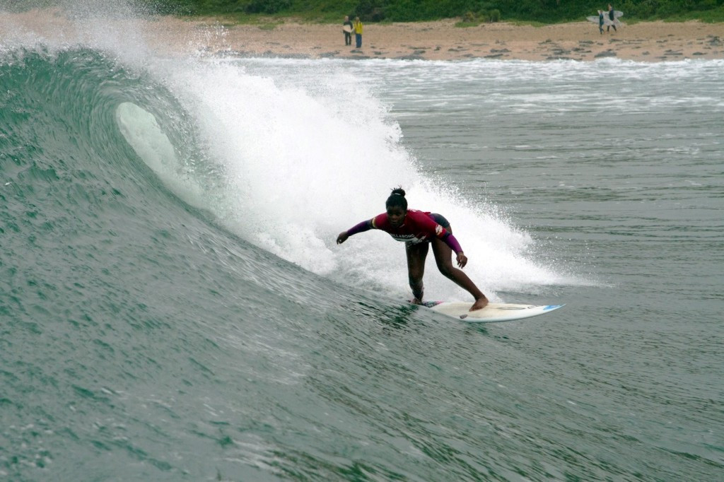 International Surfing Association award scholarships to 35 young athletes