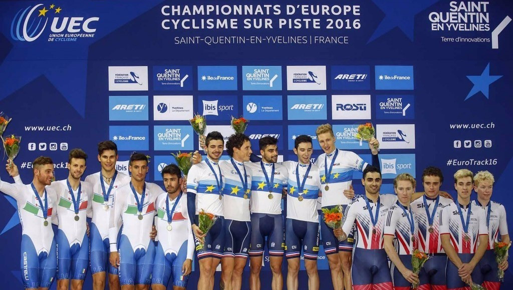France (centre) claimed a stunning victory in the men's team pursuit event on home soil on day two of the UEC European Track Championships ©UEC