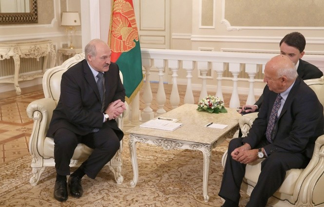 Belarus President Alexander Lukashenko promised Minsk would host the 2019 European Games following a meeting with the EOC acting President  Janez Kocijančič ©President of Belarus