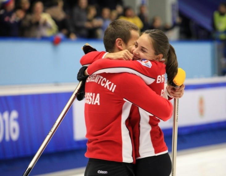Russia beat Sweden in dramatic fashion to win WCF World Mixed Curling Championships on home soil