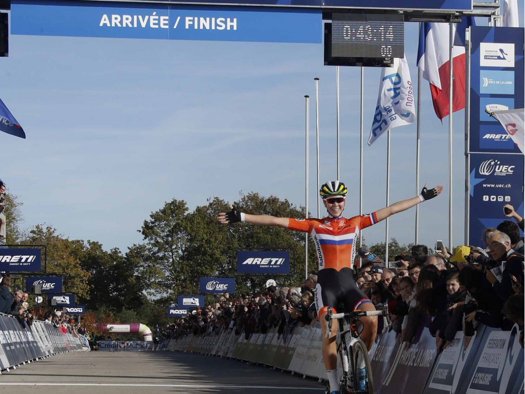 The Netherlands world champion Thalita de Jong earned the elite women's title in France ©UEC