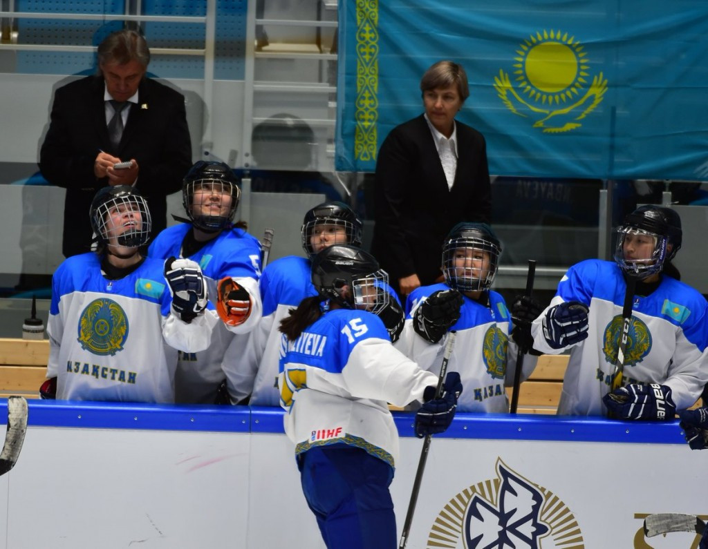 Kazakhstan and Italy reach third preliminary phase of Pyeongchang 2018 women's ice hockey qualifying
