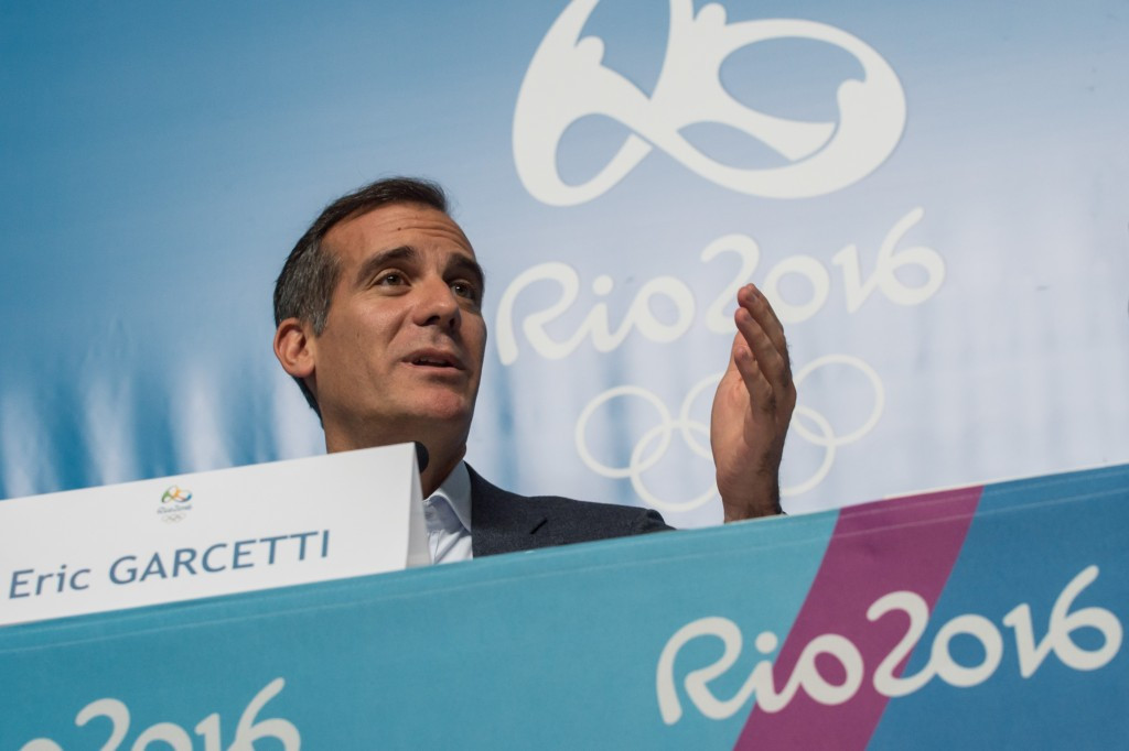 Mayor Eric Garcetti appears a more likely political leader of the Los Angeles 2024 bid, as he was at Rio 2016 ©Getty Images
