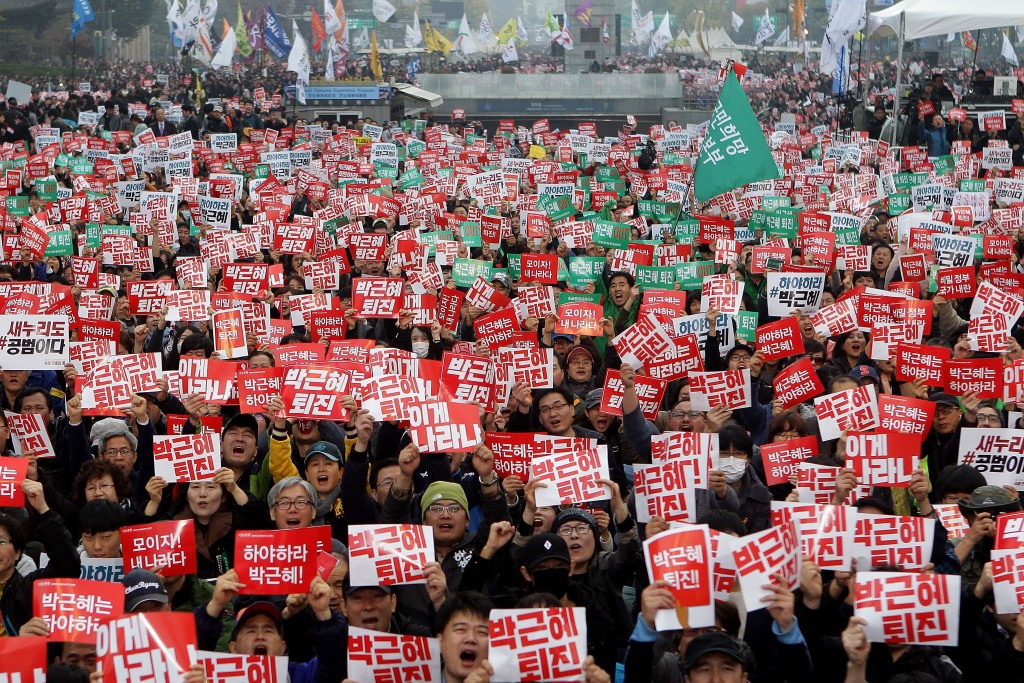 South Korean protesters take to the streets of Seoul to demonstrate against the Government of Park Geun-hye ©Getty Images