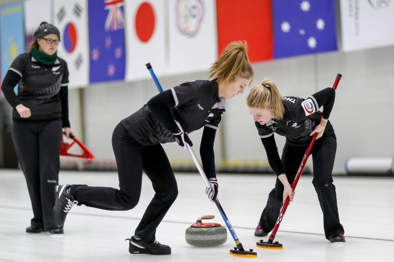New Zealand's women kept their play-off hopes alive ©WCF