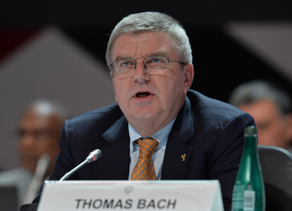 IOC President Thomas Bach held an impromptu meeting with Sir Craig Reedie during the General Assembly following the intense criticism of WADA ©Getty Images