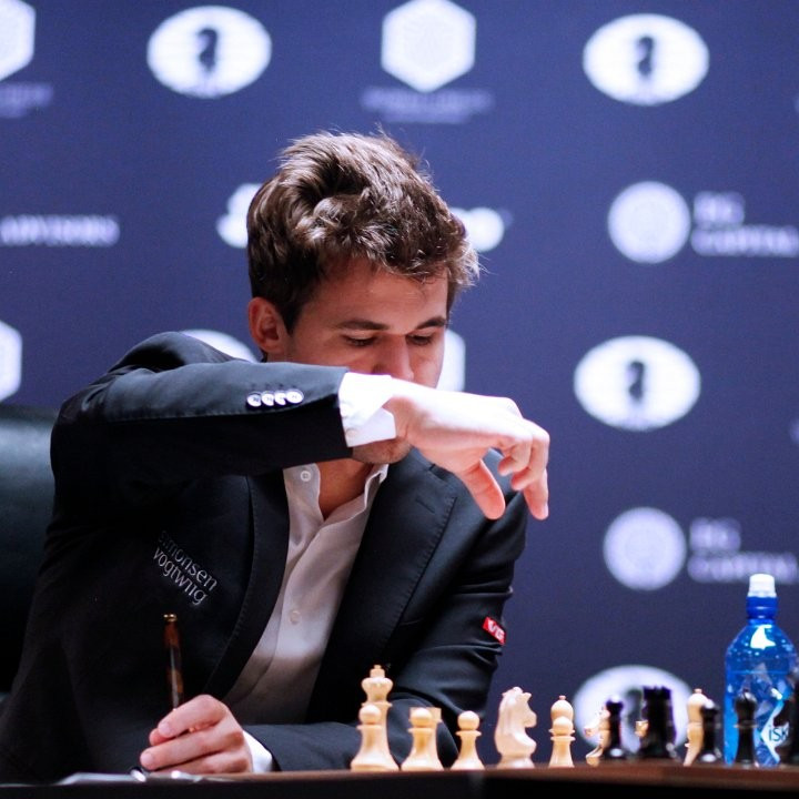 Magnus Carlsen faced problems for the first time in the final ©FIDE