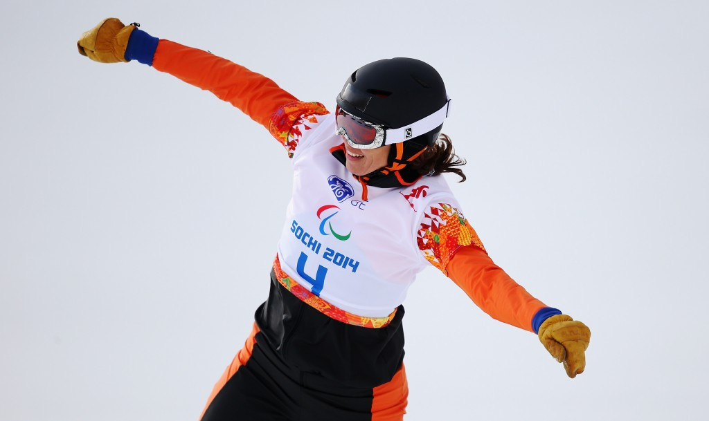 Paralympic champion Mentel-Spee shines again at IPC Snowboard World Cup