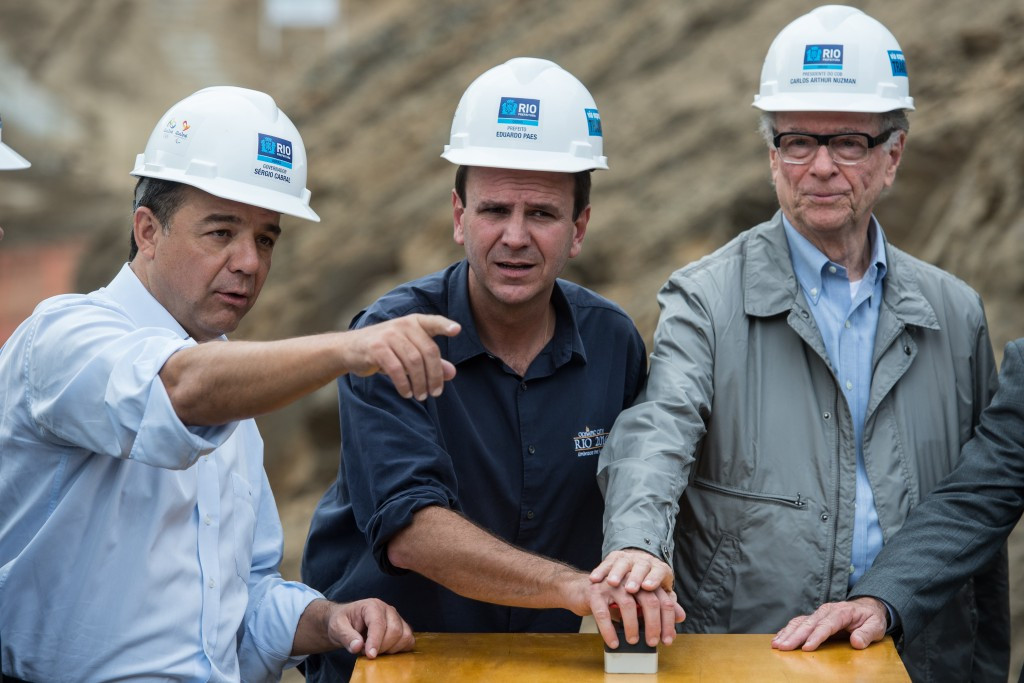Rio Governor Sérgio Cabral, left, pictured on a Rio de Janeiro construction site for the Olympic and Paralympic Games alongside the city's Mayor Eduardo Paes and Rio 2016 President Carlos Nuzman ©Getty Images