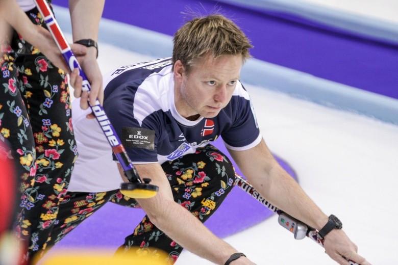 Norway earn men's semi-final spot at European Curling Championships