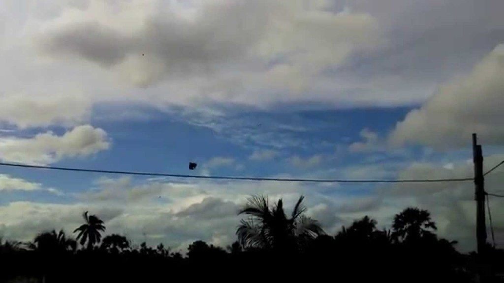Operating fighter kites such as this one is a popular, but banned, practice in Brazil ©YouTube