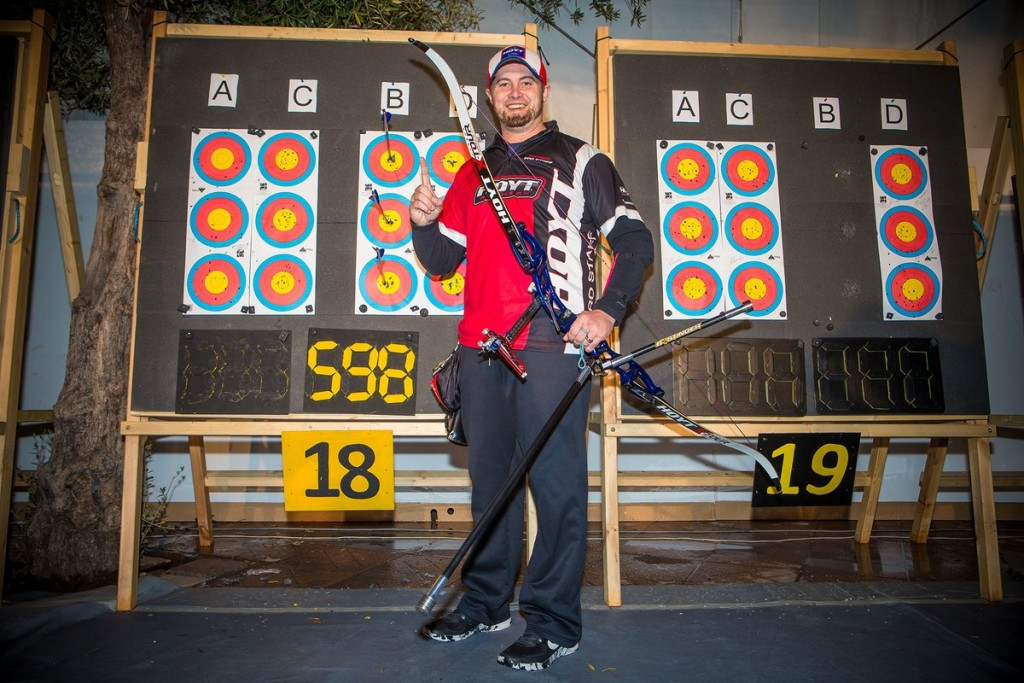 Ellison breaks qualification world record at Indoor Archery World Cup