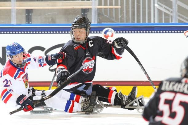 Japan and Czech Republic begin IPC Ice Sledge Hockey World Championships B-Pool with victories