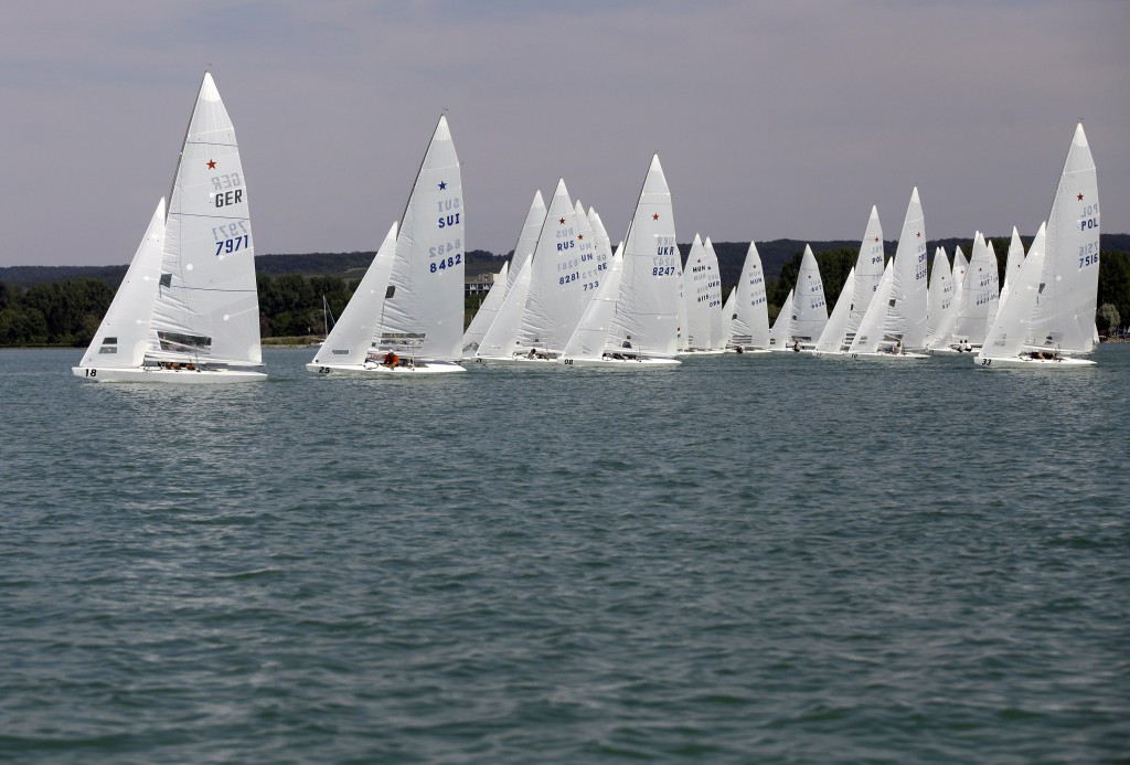 Racing postponed on day three of Sailing World Cup final in Melbourne