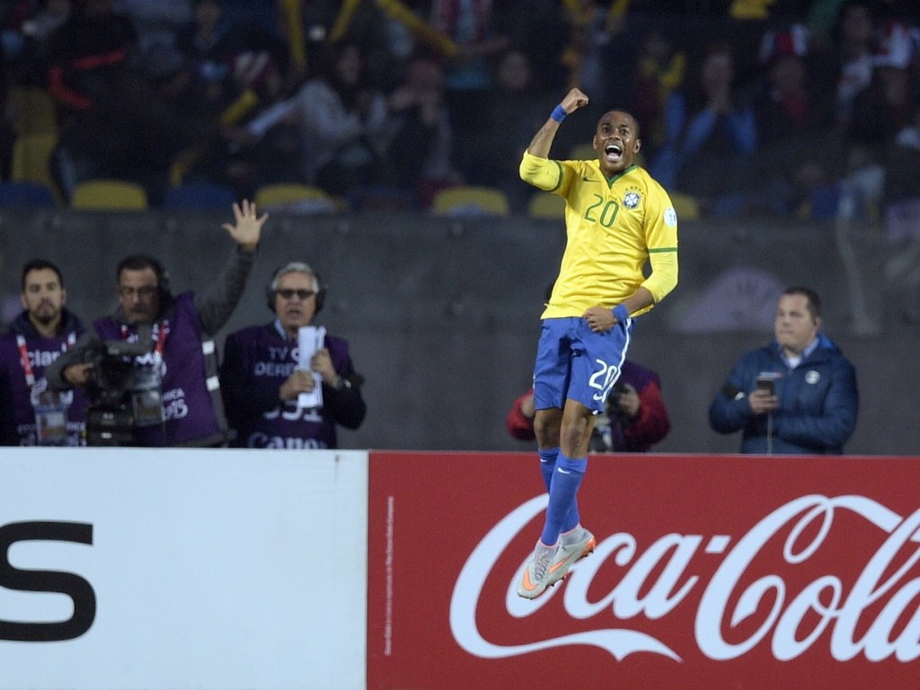 Robinho opened the scoring for Brazil in the first half but it was not enough to secure a semi-final against rivals Argentina