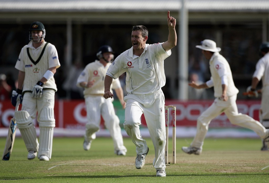 Ashley Giles was a member of the England team that won the thrilling 2005 Ashes series against Australia ©Getty Images