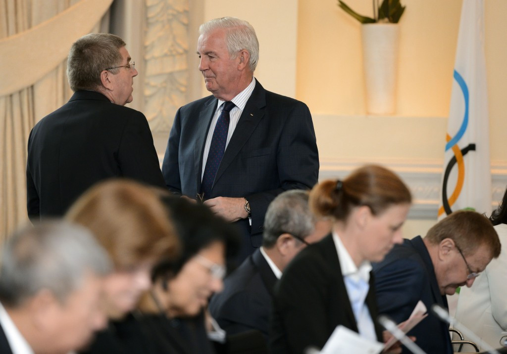 IOC and WADA agree ceasefire after meeting between Bach and Reedie