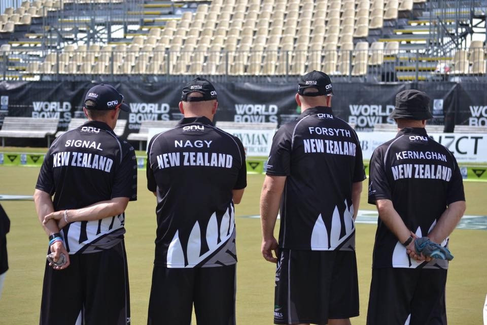 Hosts New Zealand enjoy perfect day to reach three finals at World Bowls Championships