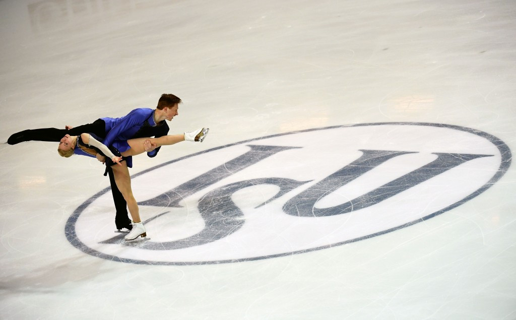 Russians wrap up pairs title at ISU Grand Prix of Figure Skating Final