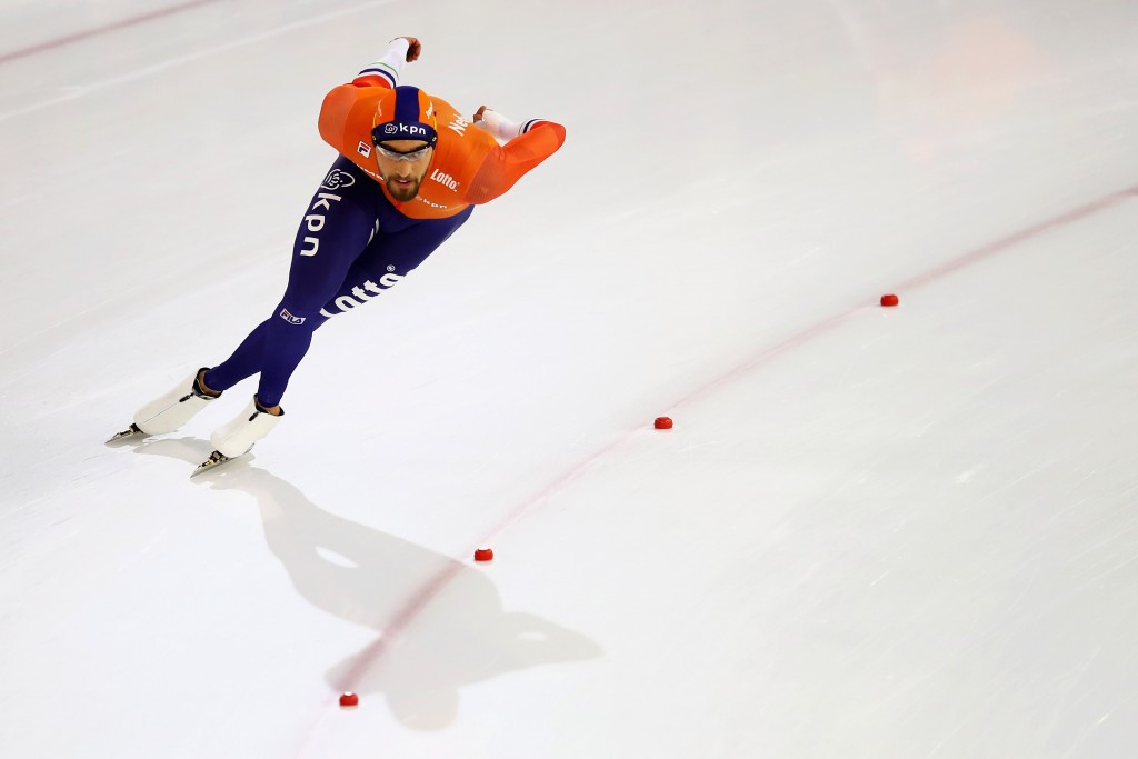 The Netherlands' Kjeld Nuis won the men's 1,500m, despite suffering from a sore shoulder ©Getty Images