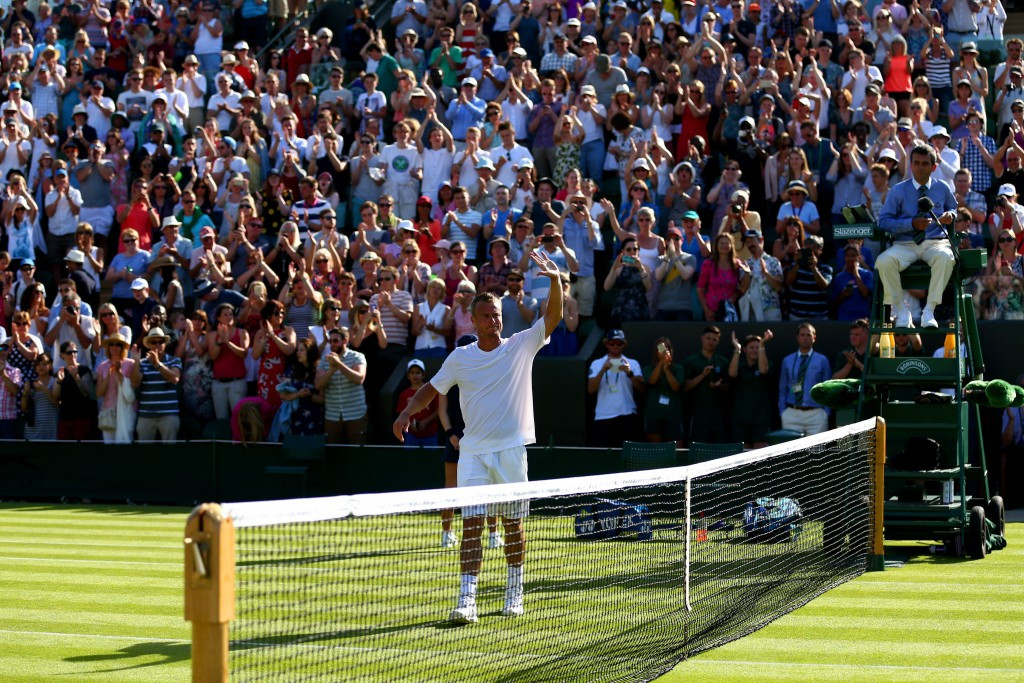 Hewitt's final Wimbledon appearance ends at first hurdle as top seeds progress