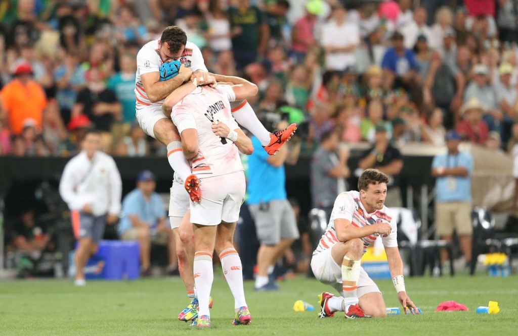 England hold off South Africa to silence home crowd at Cape Town World Rugby Sevens Series