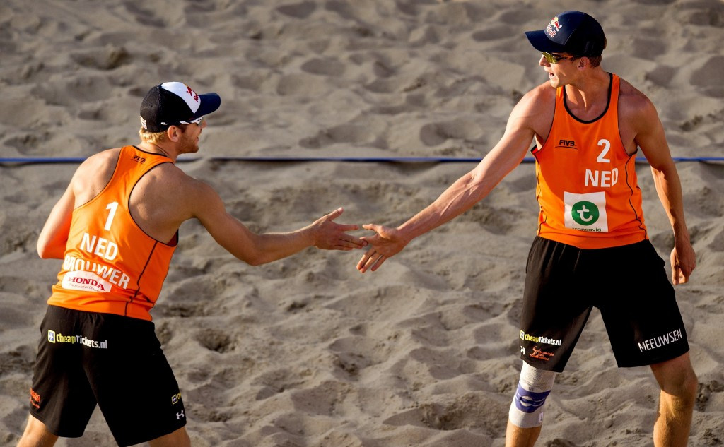 Defending champions Brouwer and Meeuwsen reach knock-out stage of Beach Volleyball World Championships after second victory