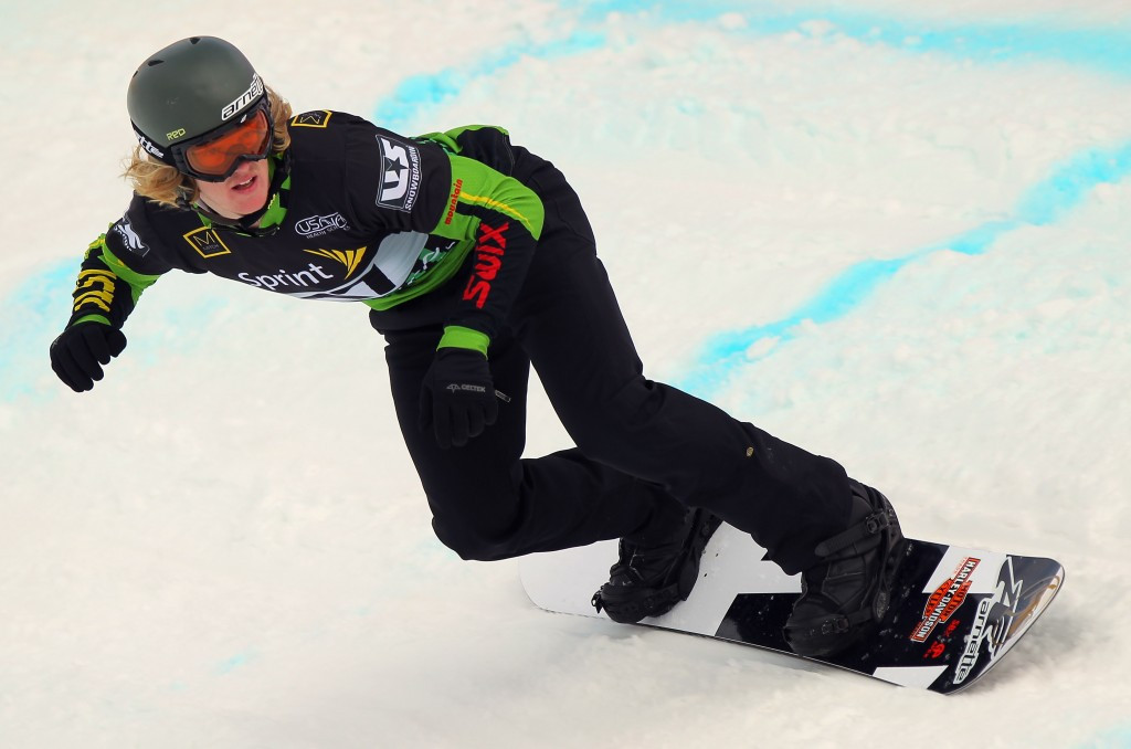 Kearney claims first-ever victory in re-run final at FIS Snowboard Cross World Cup